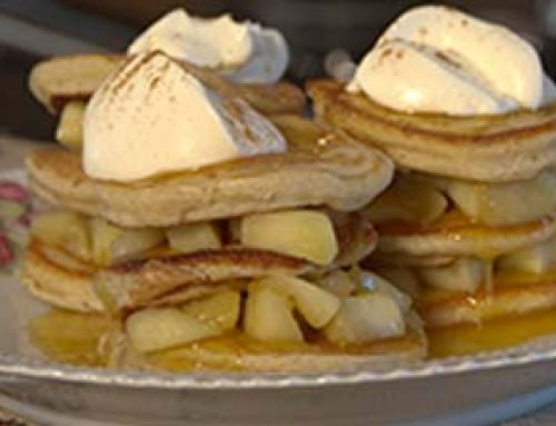 Scotch pancakes with caramelised apple and crème fraiche